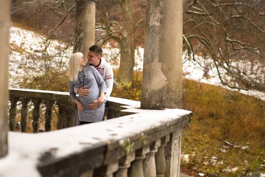 Couple at Kunerad Castle